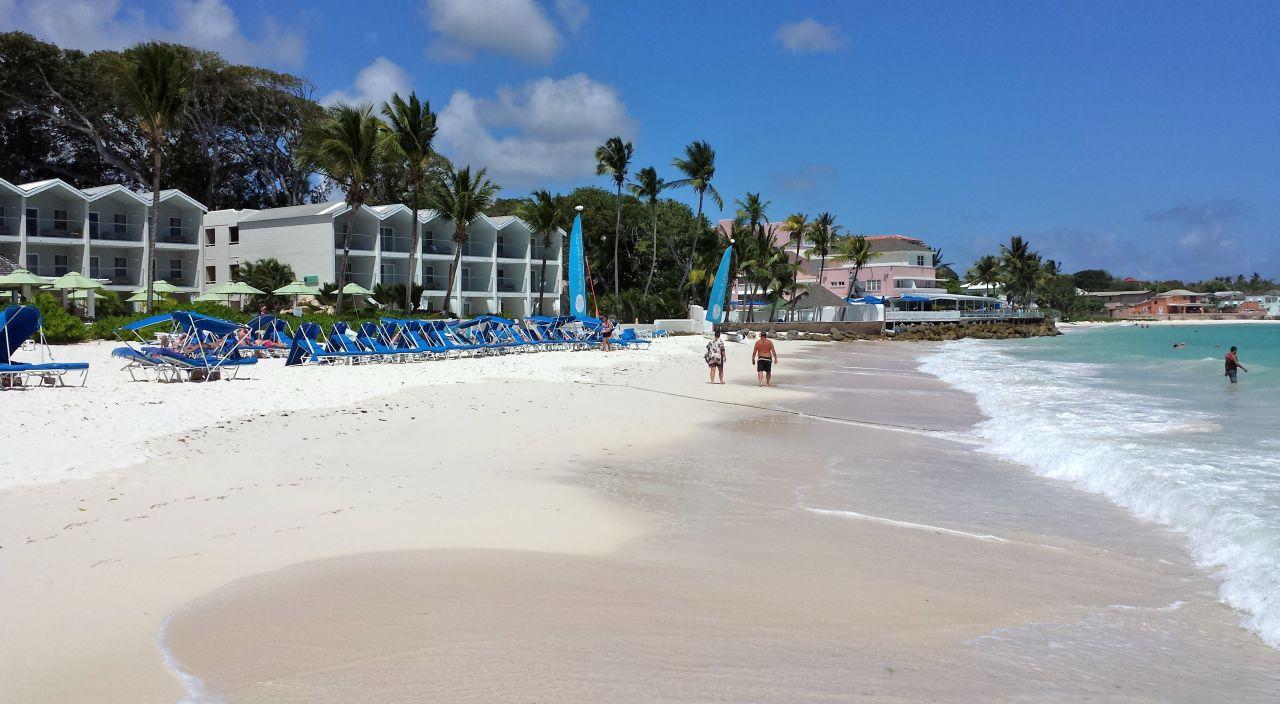 Außenansicht Sea Breeze Beach House - All Inclusive