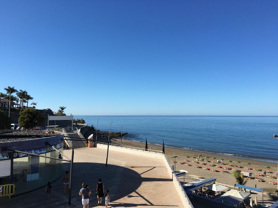 ausblick auf den strand hotel h10 playa meloneras palace meloneras holidaycheck gran. Black Bedroom Furniture Sets. Home Design Ideas