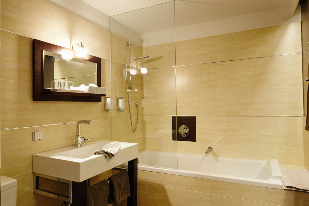 Doppelzimmer bad adele designhotel berlin berlin for Designhotel q