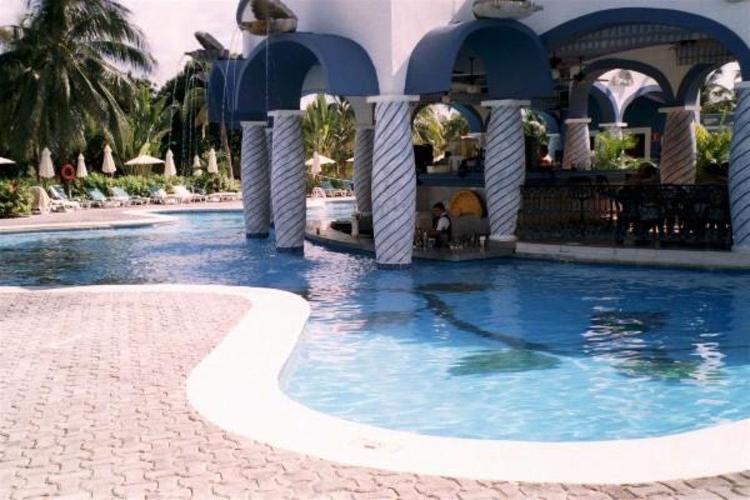 Poolbar Hotel Riu Palace Mexico