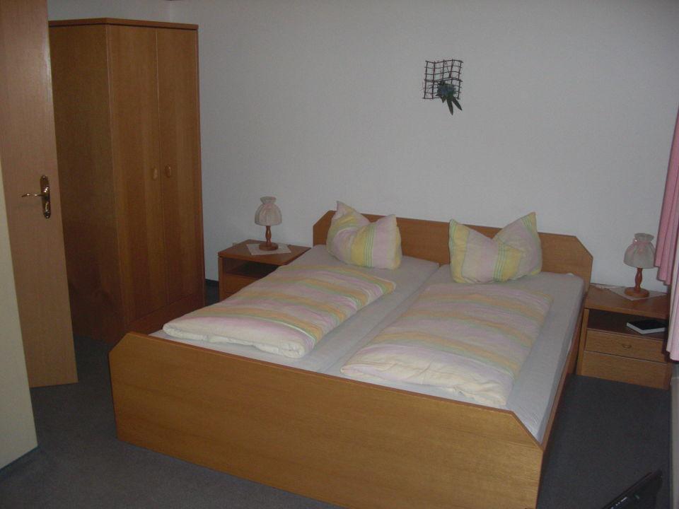 Moderne einrichtung hotel waldgut in klingenthal for Moderne hotels deutschland