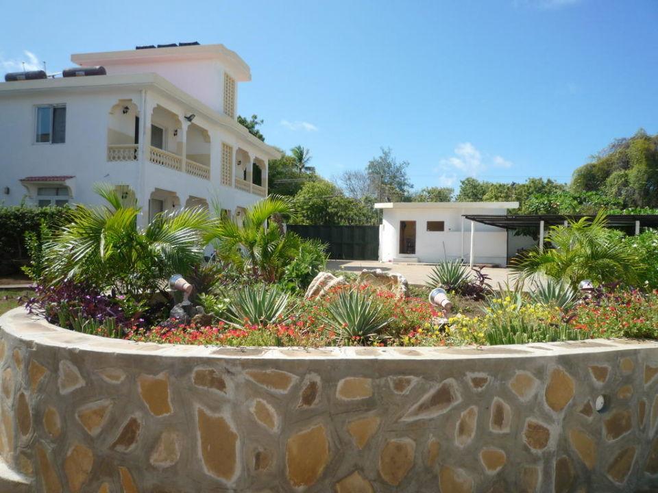 Blick auf die Poolanlage Turtle Bay Villas