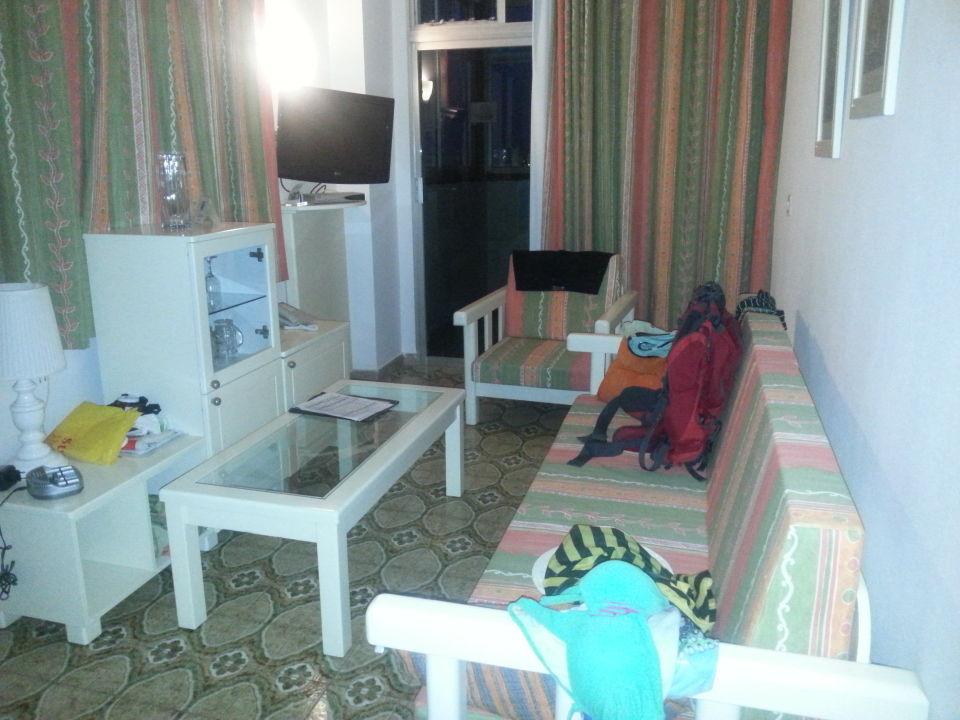 bild kleines wohnzimmer zu hotel maritim playa in playa. Black Bedroom Furniture Sets. Home Design Ideas
