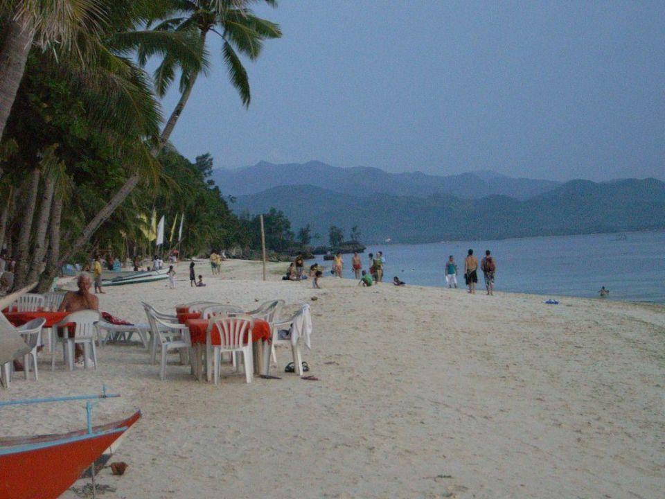 White Beach Restaurants direkt am Strand Pinjalo Resort & Villas