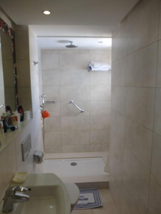 badezimmer dusche hotel capricho spa cala ratjada. Black Bedroom Furniture Sets. Home Design Ideas