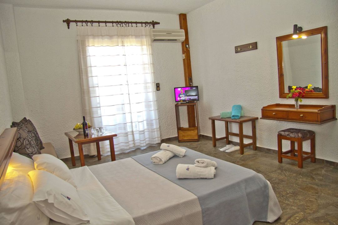 Room for 2 persons Folia Hotel