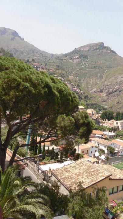 Ausblick nach links Hotel La Pensione Svizzera