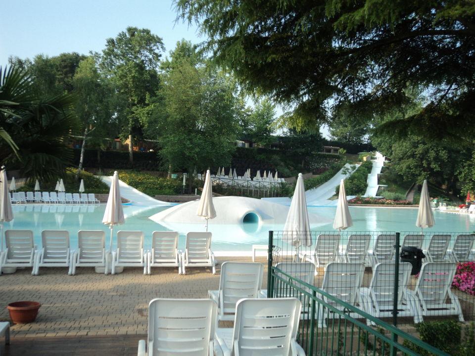 Pool mit rutsche altomincio family park valeggio sul mincio holidaycheck venetien italien - Pool mit rutsche ...