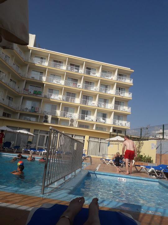 Pool Hotel Roc Linda