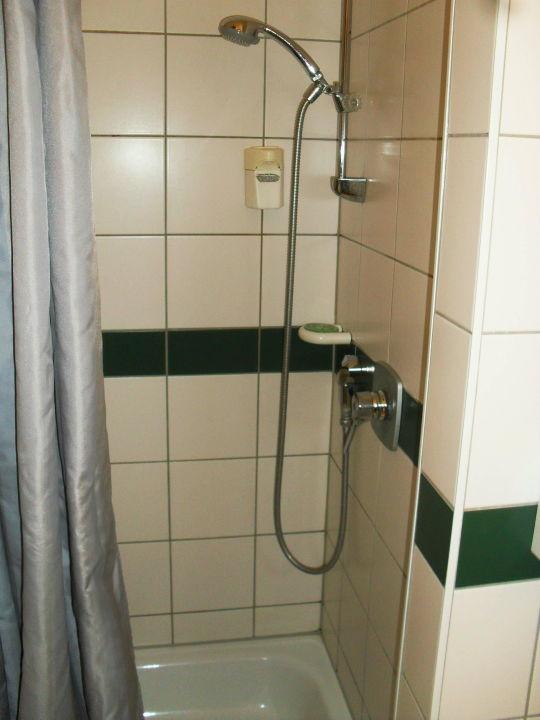 Bad/Dusche mit Seifenspender Hotel am Tierpark