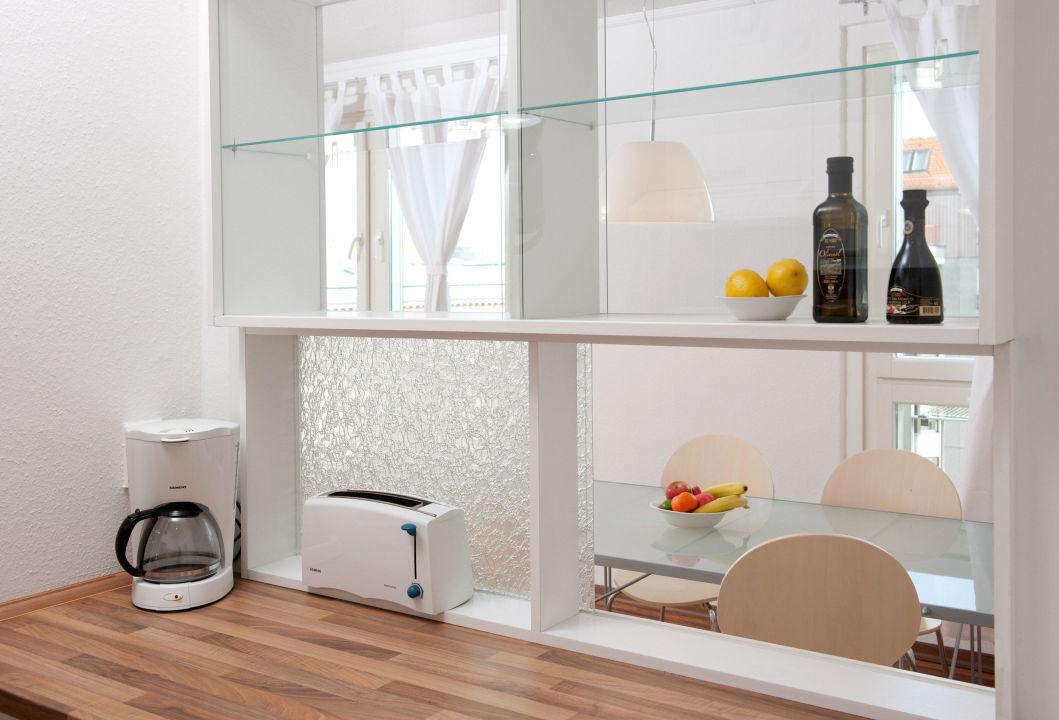 Apartment 3 | Durchreiche Von Küche Zum Essbereich Apartments Am  Brandenburger Tor