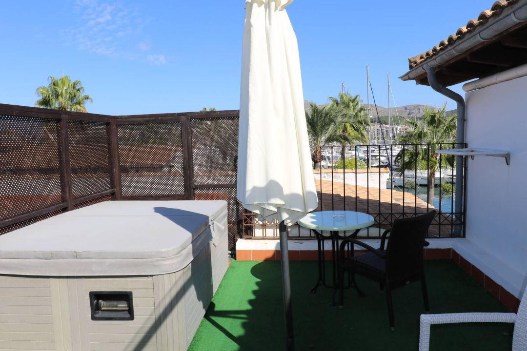 Dachterrasse mit super whirlpool f r 2 personen hotel botel alcudiamar alcudia - Whirlpool dachterrasse ...