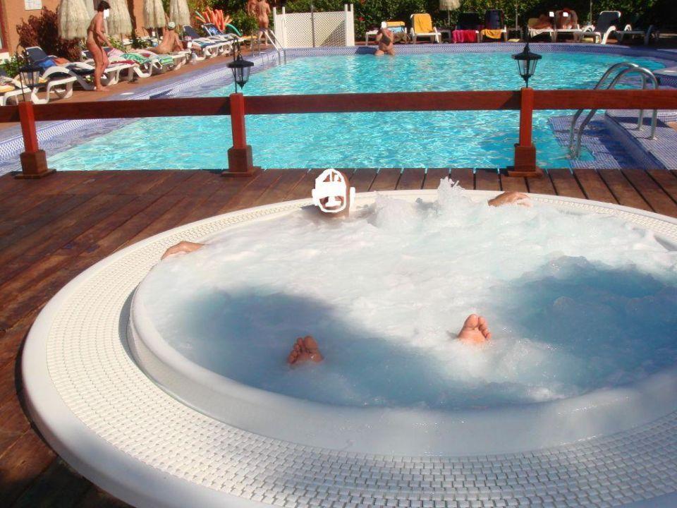 Piscina e idromassaggio hotel magnolias natura for Alberca 8 x 5