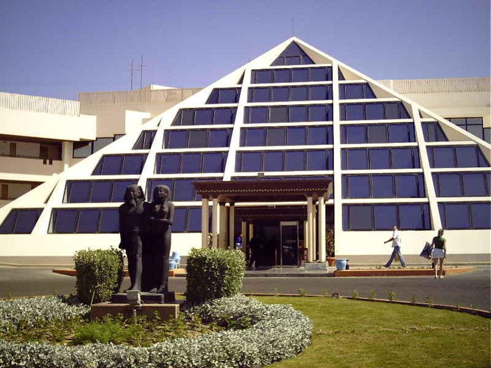 Hoteleingang Pharaoh Azur Resort