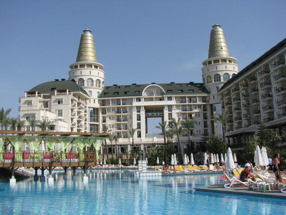 Pool und Hotel Hotel Delphin Diva