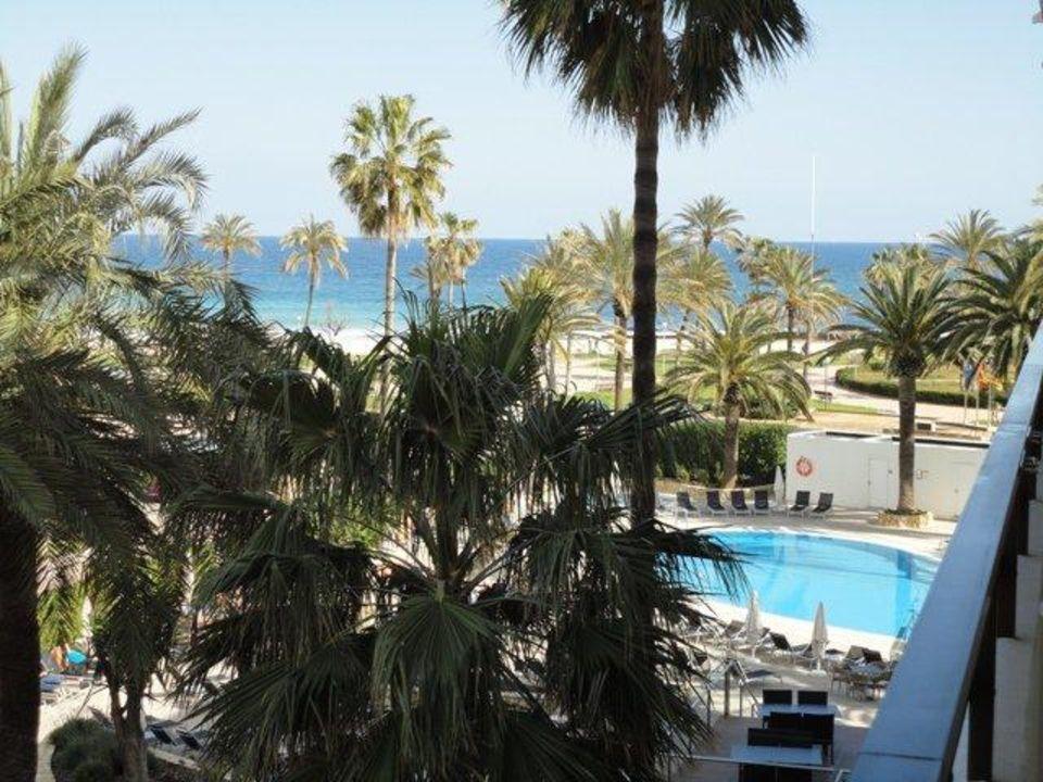 ausblick vom balkon allsun hotel bahia del este in cala millor holidaycheck mallorca spanien. Black Bedroom Furniture Sets. Home Design Ideas