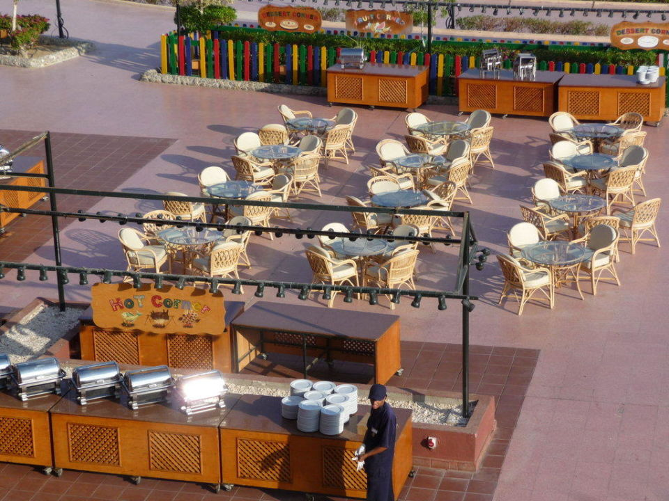 Restaurant beim Pool Club Calimera Akassia Swiss Resort