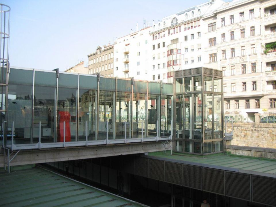 Pilgramgasse metro station Austria Trend Hotel Ananas