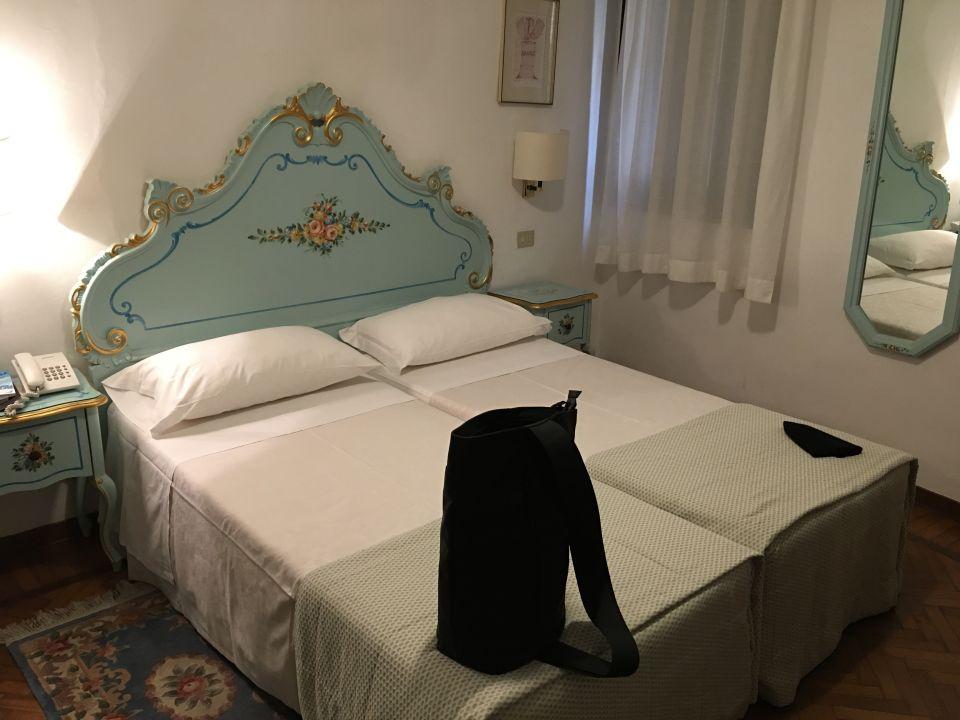 Zimmer Hotel Serenissima