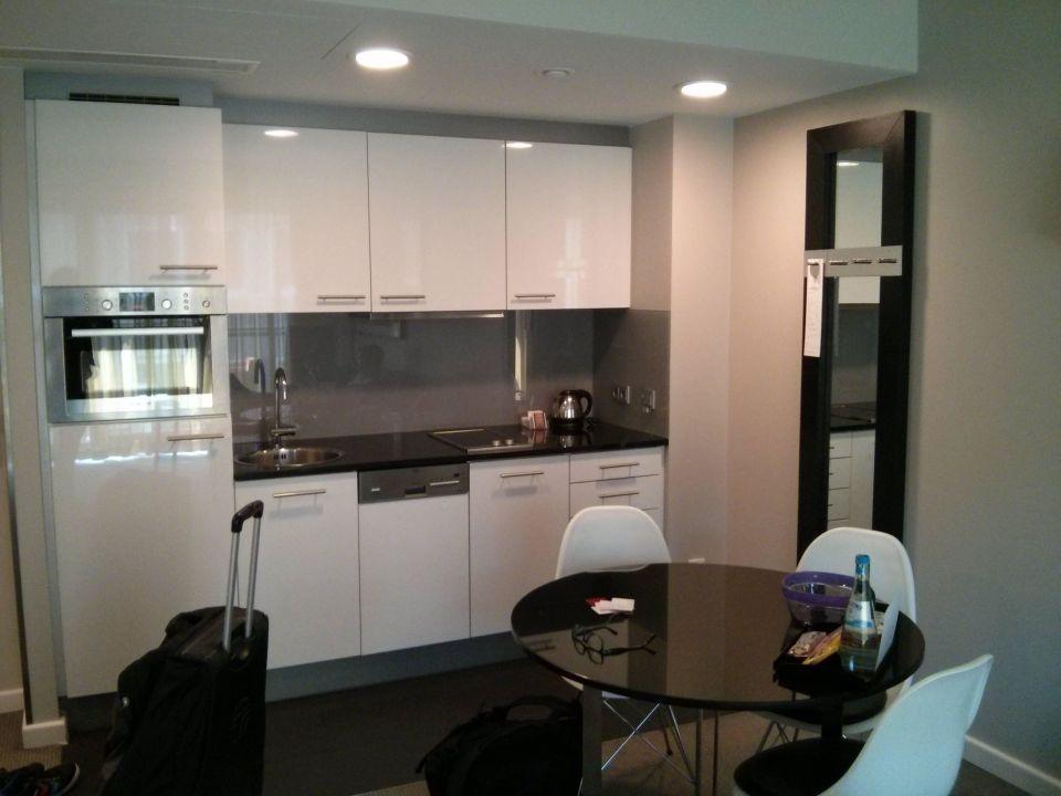 bild zimmer zu adina apartment hotel hamburg michel in hamburg. Black Bedroom Furniture Sets. Home Design Ideas