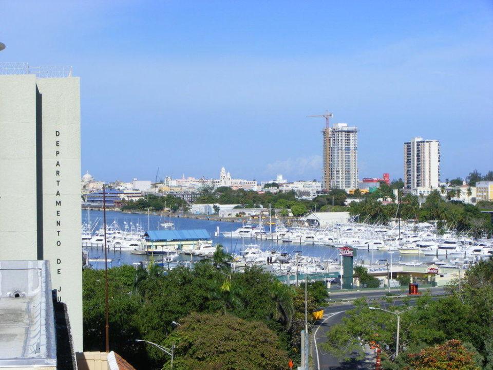 Von der Dachterrasse auf Condado Beach Hotel Miramar