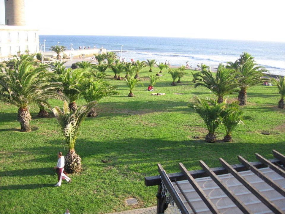 Ausblick vom Whirlpool zum Faro de Maspalomas Lopesan Costa Meloneras Resort, Spa & Casino