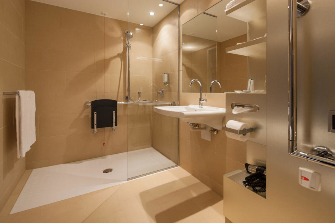Behindertengerechtes Badezimmer Radisson Blu Park Royal Palace - Behindertengerechtes badezimmer