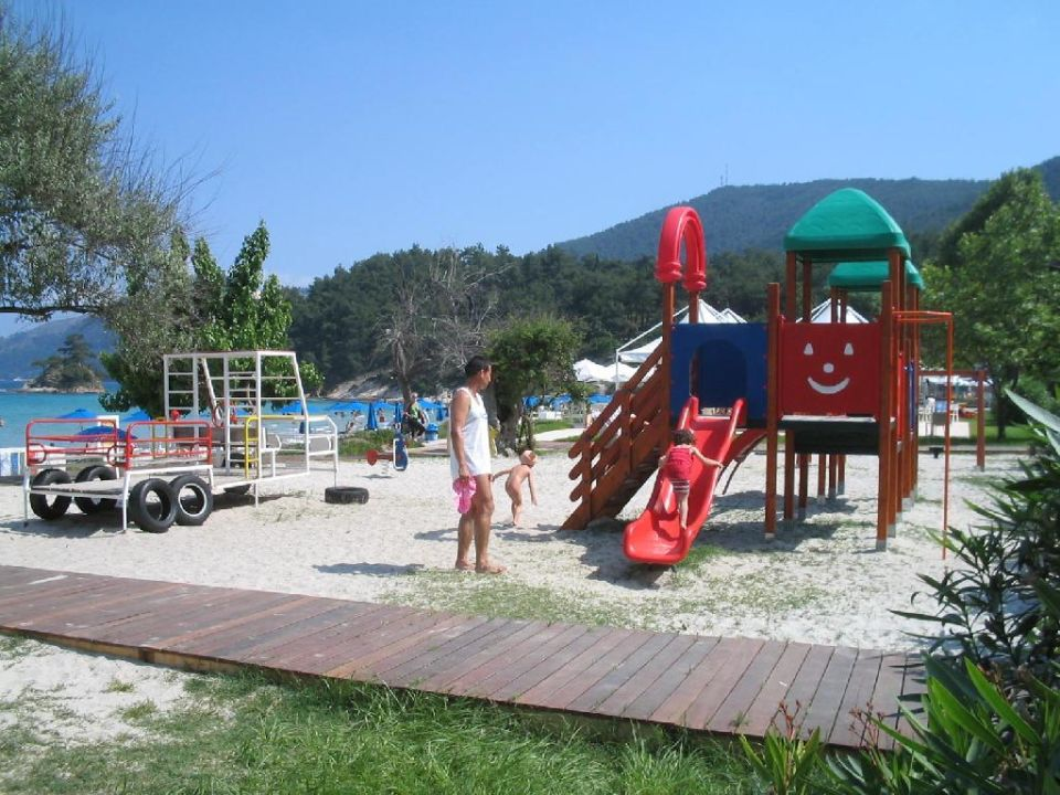 Spielplatz Hotel Makryammos Bungalows
