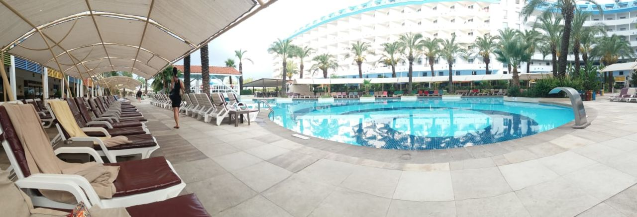 Pool Crystal Admiral Resort Suites & Spa