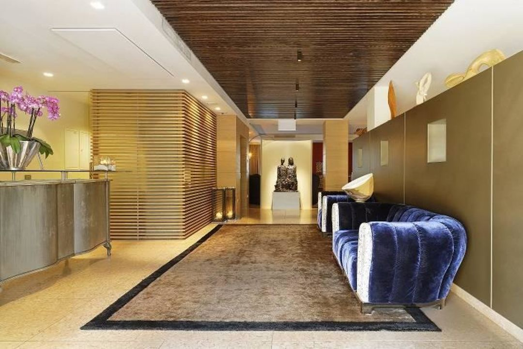 Lobby rezeption art design hotel napura in terlan for Design hotel napura