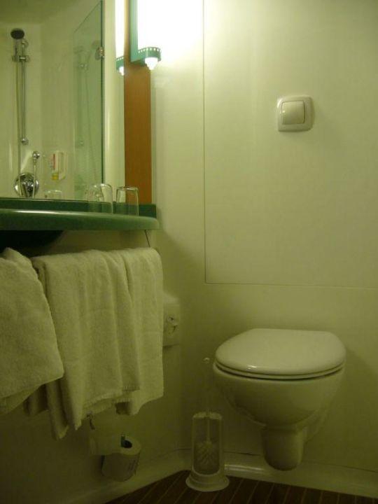 """bild """"badezimmer des hotel ibis köln messe"""" zu hotel ibis köln"""