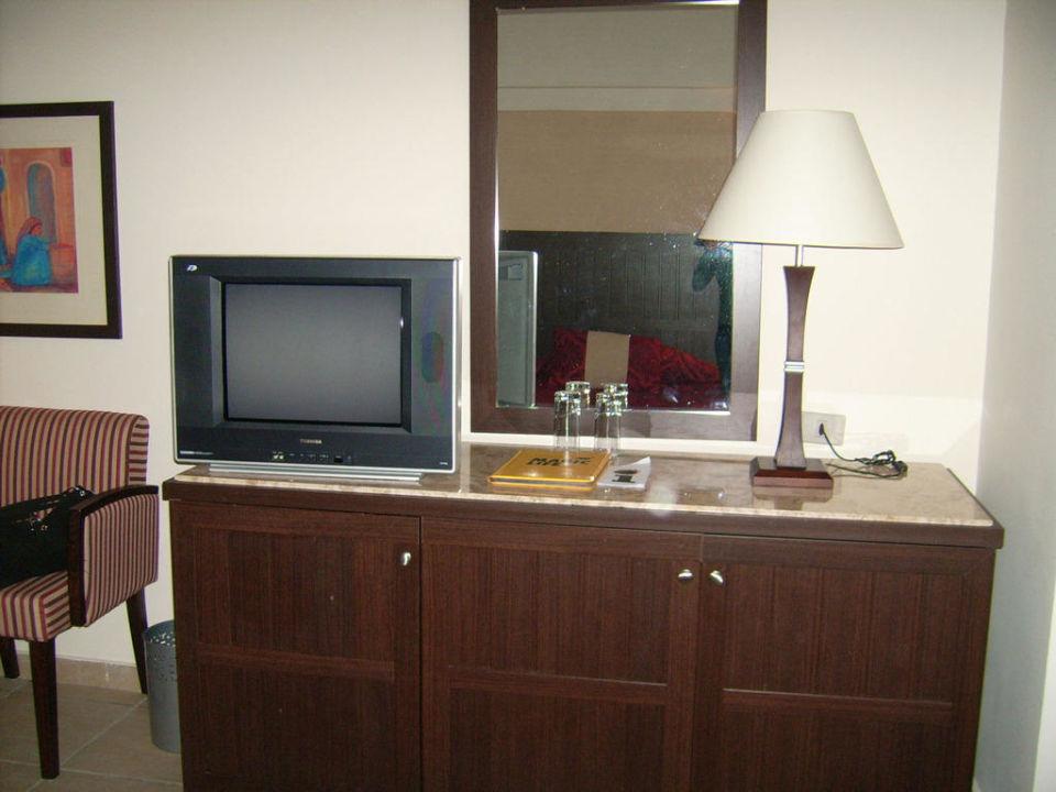 Blick auf Fernseher und Kommode TUI MAGIC LIFE Kalawy
