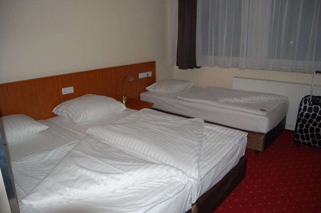 """3 bett zimmer"""" novum hotel belmondo hamburg in hamburg, Hause deko"""