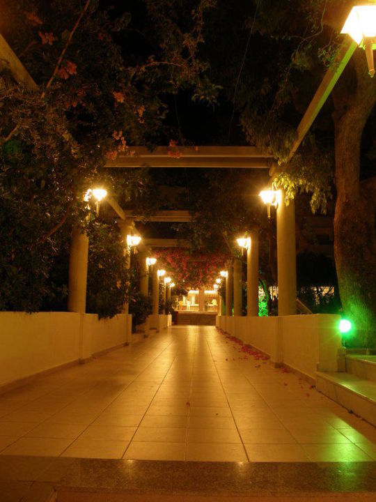 Der Eingang Hotel Filerimos Village