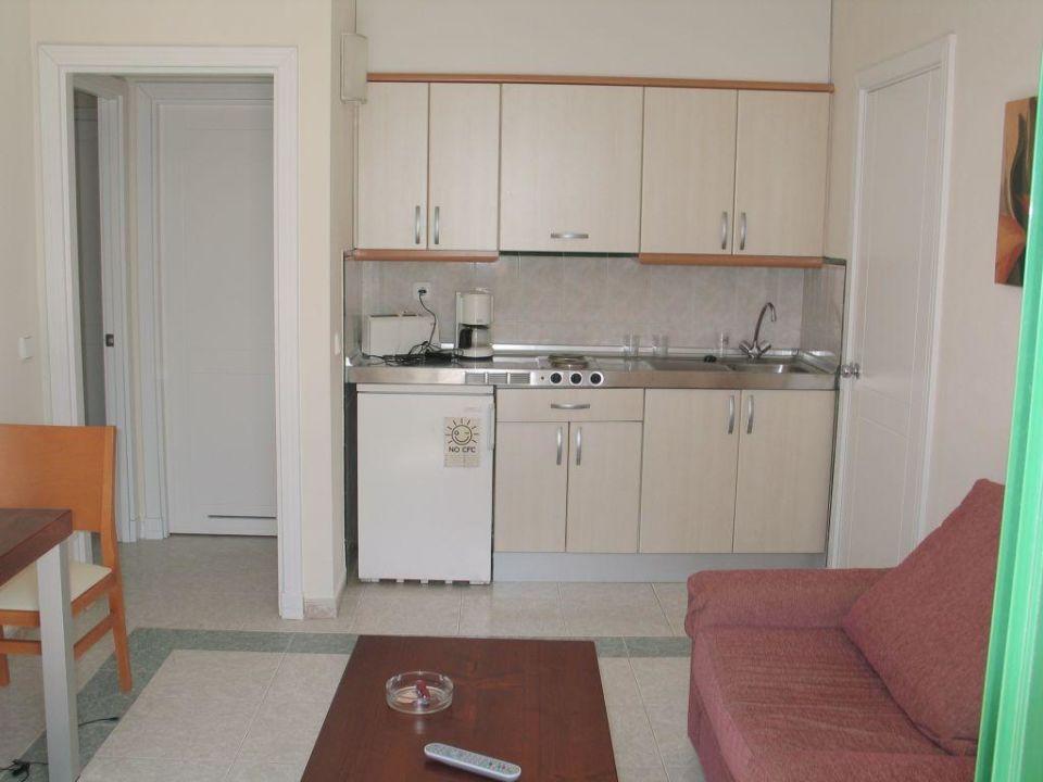 Küchenzeile im Wohnbereich des Bungalows Relaxia Lanzasur Club
