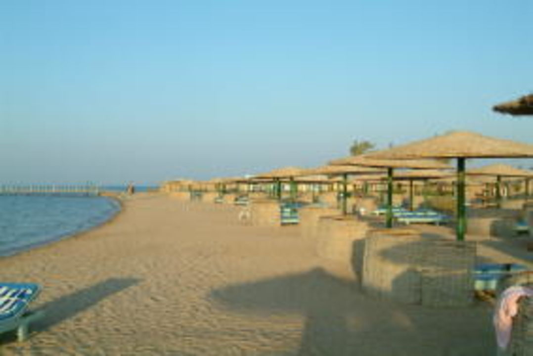 Hoteleigener Strand Golden Beach Resort