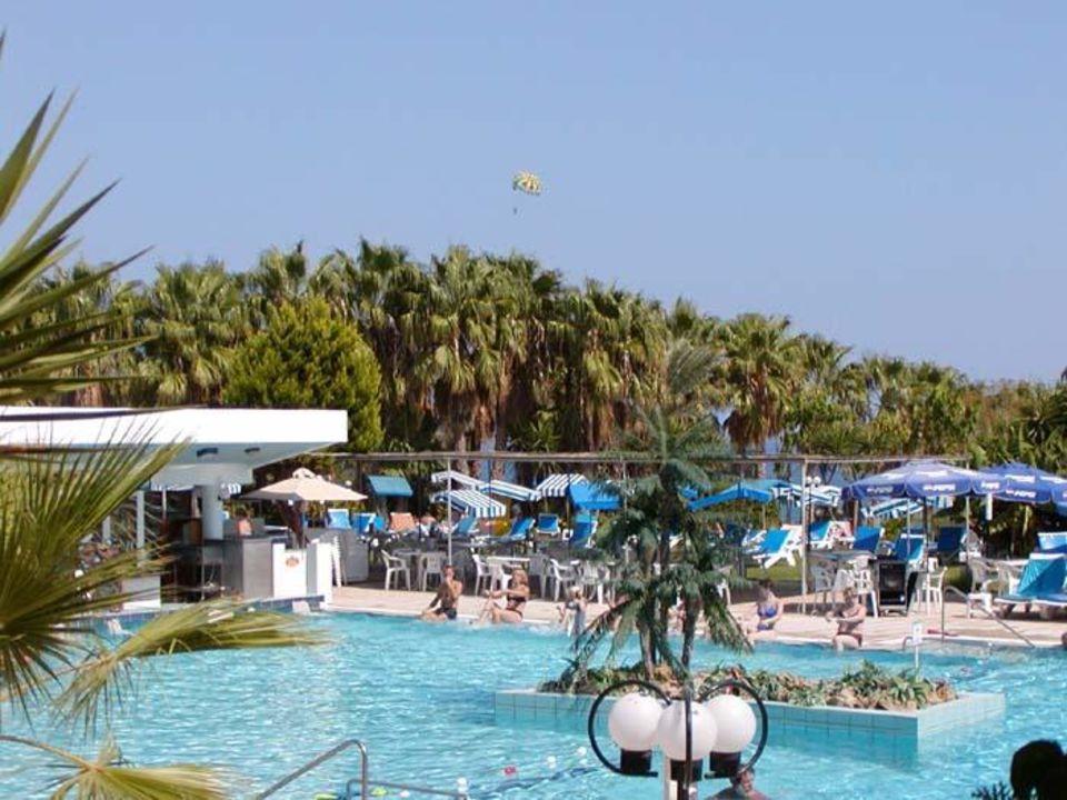 Cavo Maris Beach Hotel Pool 2 Hotel Cavo Maris Beach