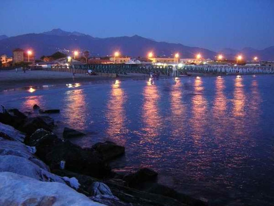 Strand bei Nacht Hotel Euromar