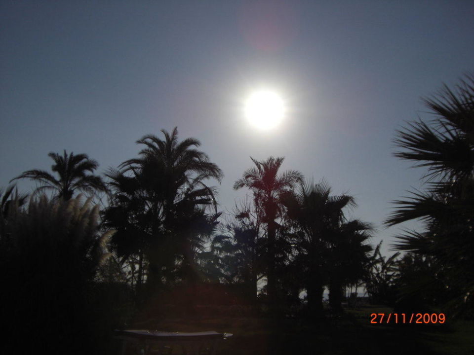 Fast untergehende Sonne Arcanus Side Resort