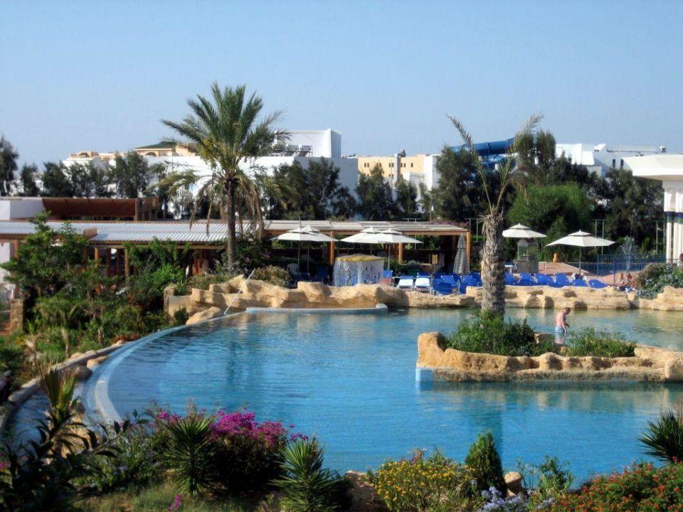 Blick auf den Pool Hotel Medina Belisaire & Thalasso