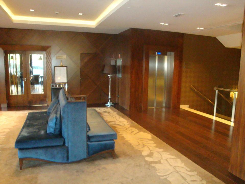 Schöner Lobbybereich Hotel Claridge