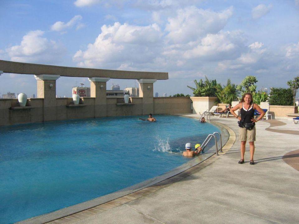 Pool Baiyoke Sky Hotel Baiyoke Sky Bangkok Holidaycheck Gro Raum Bangkok Thailand