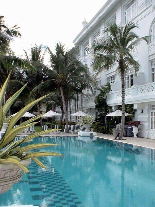 Pool Eastern and Oriental Hotel Penang