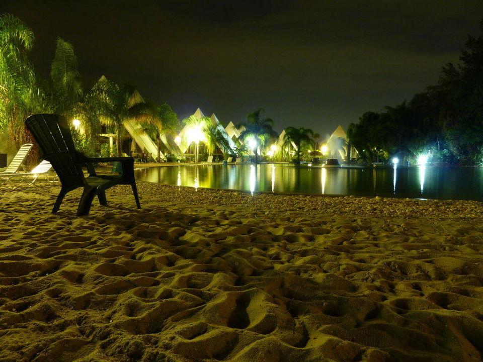 Abendstimmung Pyramid Village Park