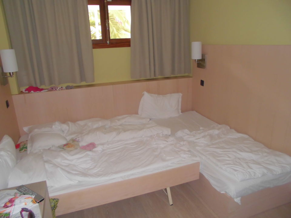 Familiensuite 2110 aparthotel marins playa in cala for Aparthotel d or jardin de playa