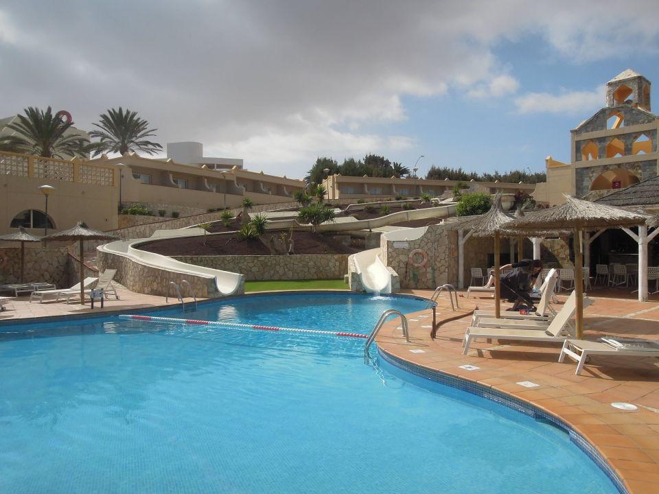 Pool mit rutsche und bar au en und innen sbh monica beach resort costa calma holidaycheck - Pool mit rutsche ...