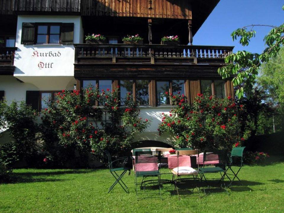 Kurbad Ottl - Aussenansicht mit Garten Ferienwohnung Kurbad Ottl