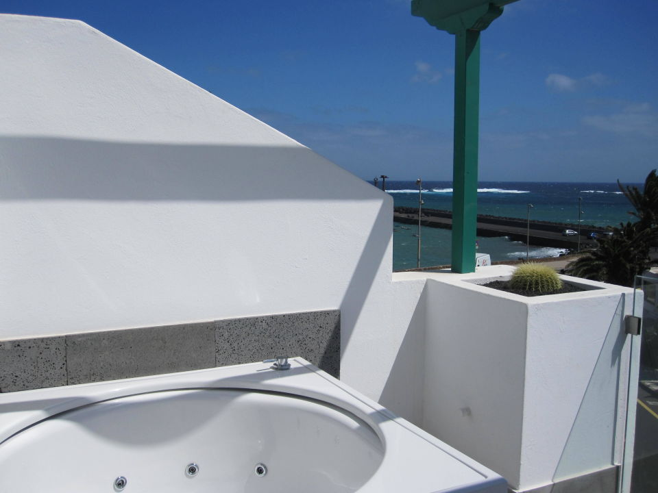 Whirlpool Auf Dem Balkon Barcelo Teguise Beach Adults Only Costa