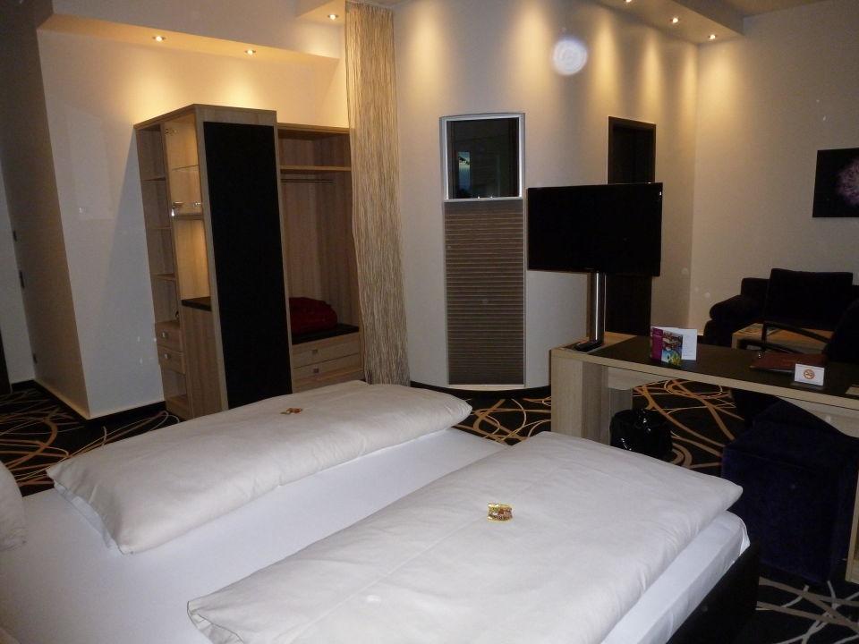 Zimmer Mit Drehbarem Fernseher Bäder Park Hotel Sieben Welten