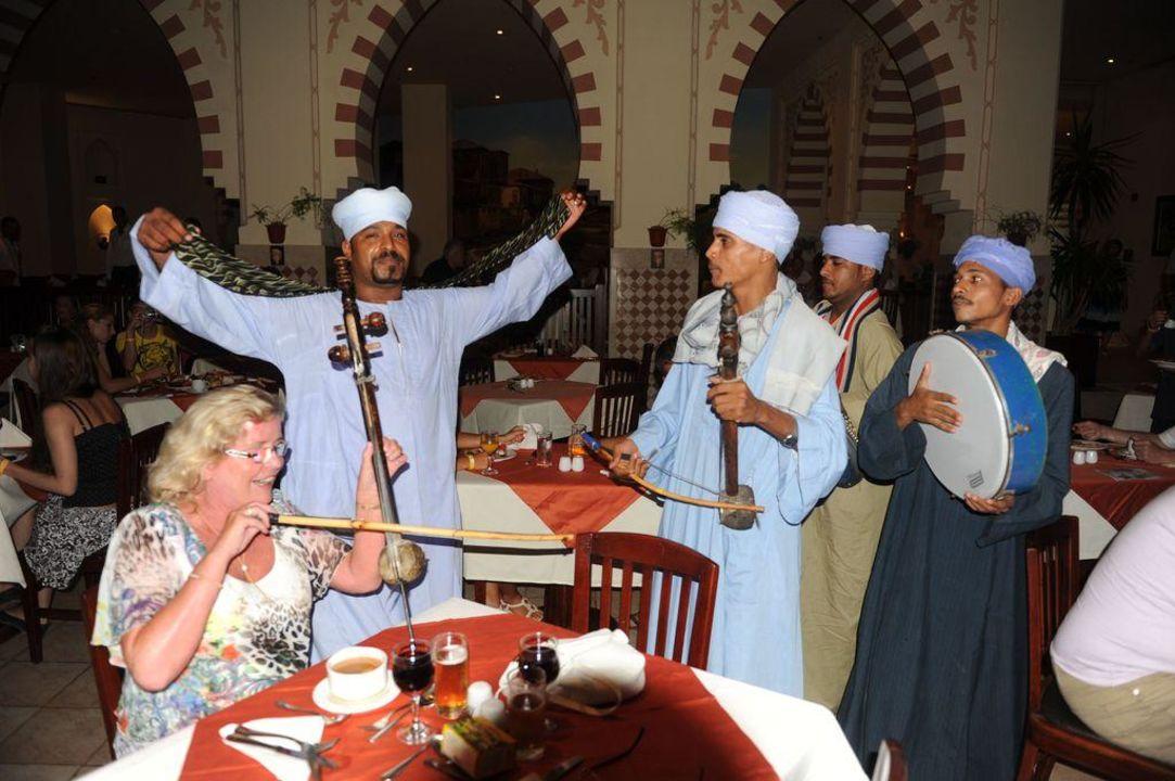 Ägyptische Musikgruppe Tia Heights Makadi Bay